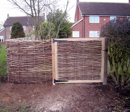 Hazel filled gate